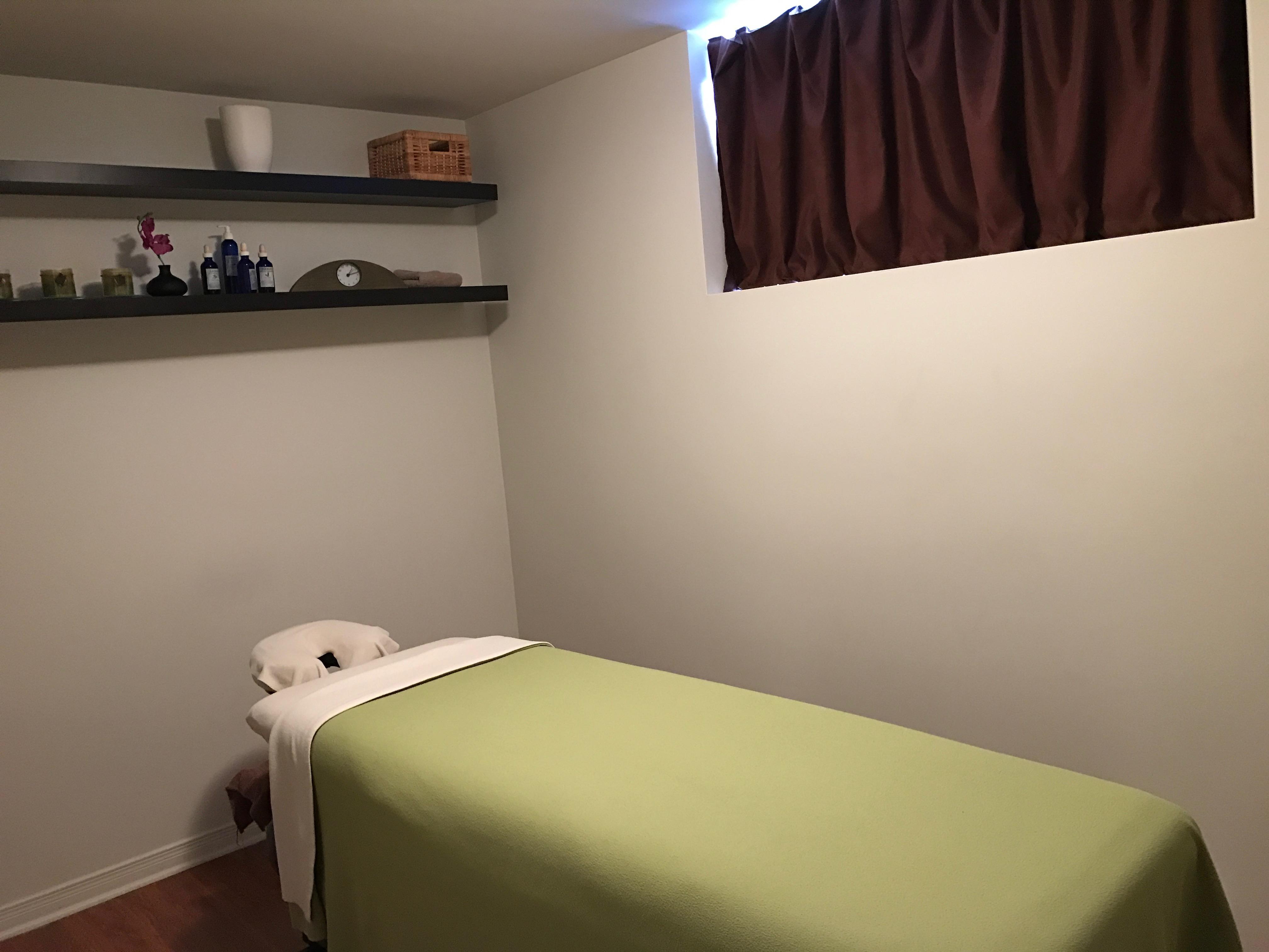 Clinique Pascale Bélisle massothérapie kinésithérapie orthothérapie à Blainville sur la rive-nord de Montréal - salle de traitement 4